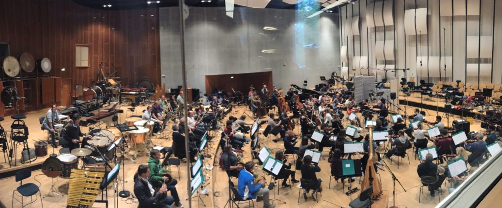 88 musicians of the SWR Symphony Orchestra recorded for movie 'Mack the Knife'